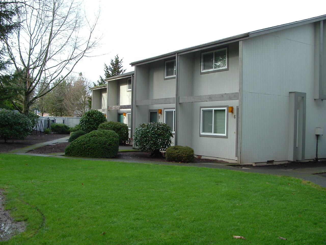 We Are A Community Of 46 Town Homes Located In A Beautiful, Secluded Area  Of Keizer, OR.